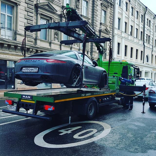 Puedo evitar la restricción vehicular si no ando placas?